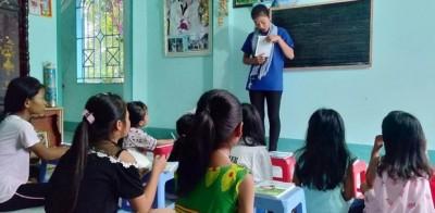 Hào hứng truyền dạy ngôn ngữ, văn hóa Khmer cho đồng bào mùa hè xanh 2019